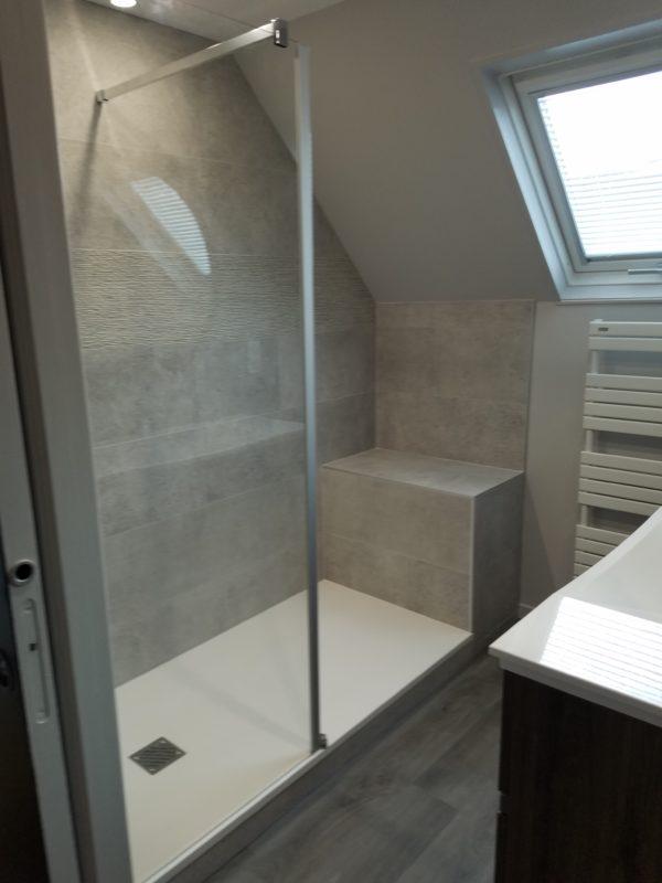 Aménagement douche sous toit